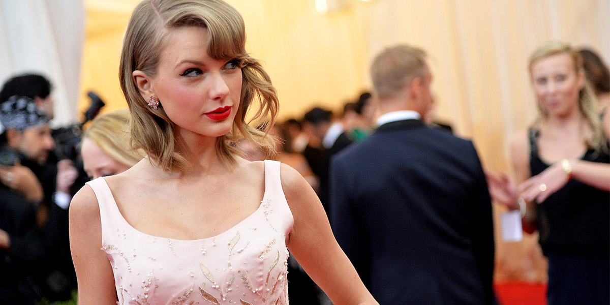 Billy Bragg Says Taylor Swift Sold Her Soul to Google