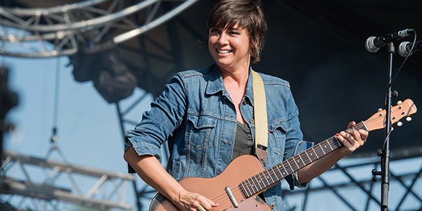 Watch Cat Power Perform a New Song in Istanbul