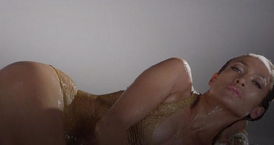 Watch Jennifer Lopez and Iggy Azalea's AMA