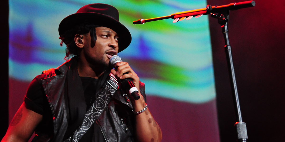 D'Angelo Debuts Funky New Track